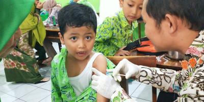 Imunisasi dan Penyuluhan Kesehatan